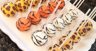 Animal Print/ Tiger/ Giraffe/ Zebra/ Leopard by JamiesCakePops