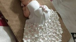"baby girl theme ""Baptism"" in fimo"